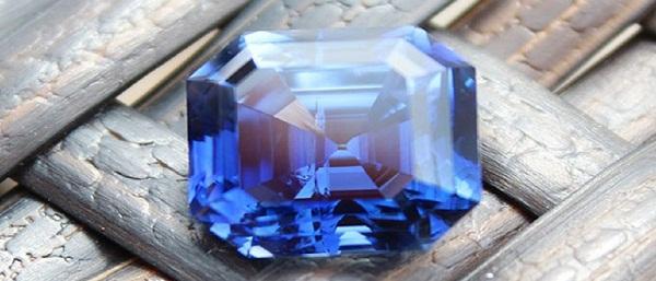 tac-dung-cua-da-sapphire-hnj2
